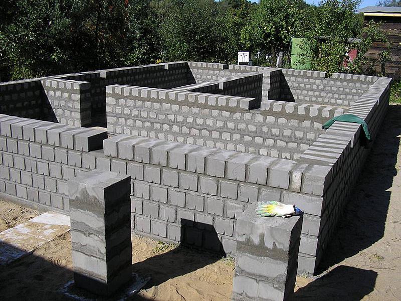Строительство дома из бетонных блоков своими руками